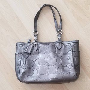Vintage Coach Leather purse - metallic grey